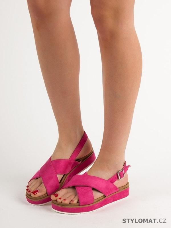 d525c30faceb Semišové sandálky na platformě růžové - GOODIN - Sandále
