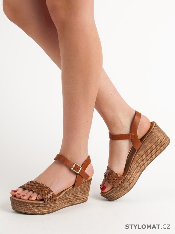 38198c0cd7c9 Vysoké sandálky na platformě hnědé - SEASTAR - Sandále