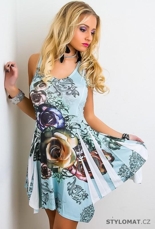 b123481ce Dámské letní světle modré šaty s květinami - jiny - Krátké letní šaty