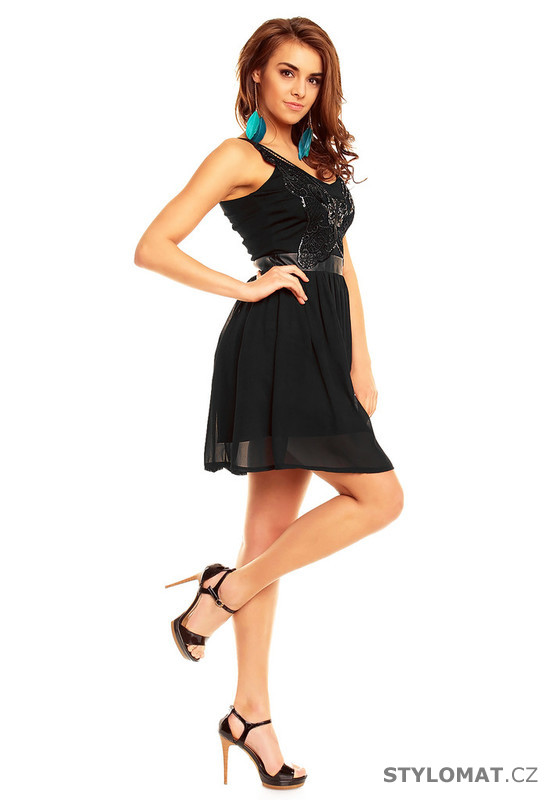 94c7775f6b19 ... Krátké společenské šaty    Šaty do tanečních - černé. Previous  Next