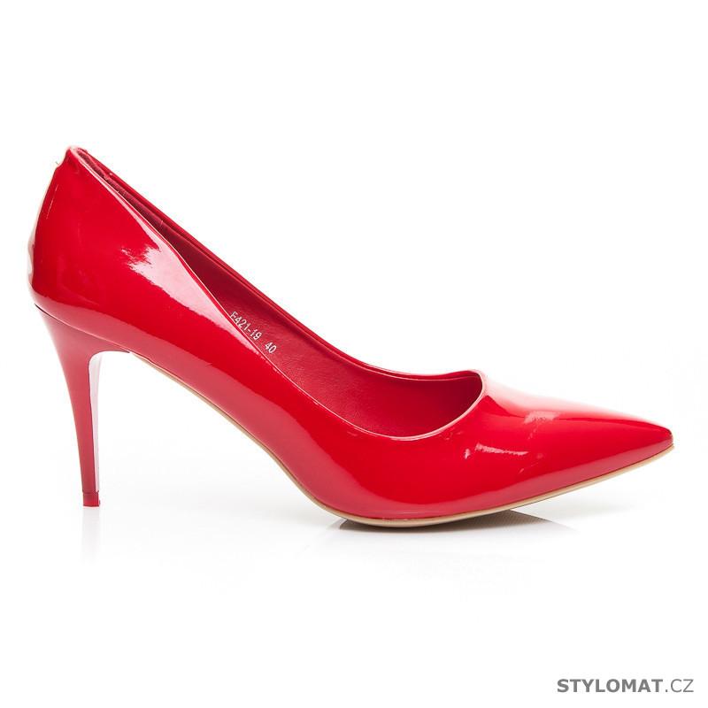 3da05499e4 Lakované červené lodičky na nízkém podpatku - VICES - Lodičky