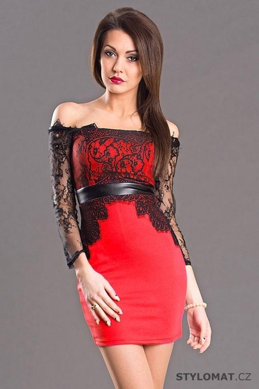 aad18ed4a677 Elegantní červené šaty typu carmen - Emamoda - Party a koktejlové šaty