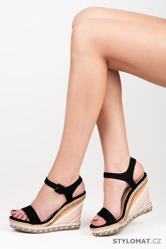 2dca65cda836 Letní dámské boty na klínu černé - SEASTAR - Sandále