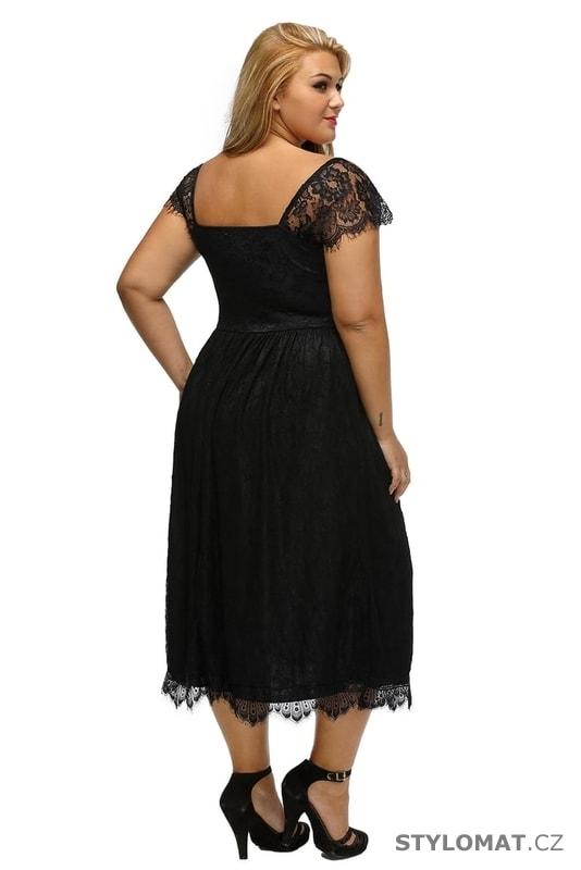 e902f06aed1b ... Krátké společenské šaty    Dámské šaty XXL. Previous  Next