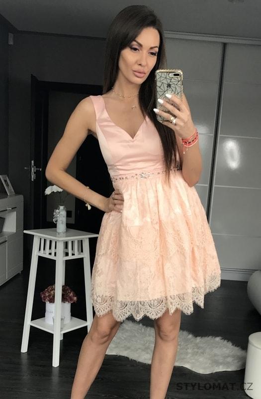eadec7c0c5e8 Dámské šaty s krajkovou sukní světle růžové - Eva Lola - Krátké ...