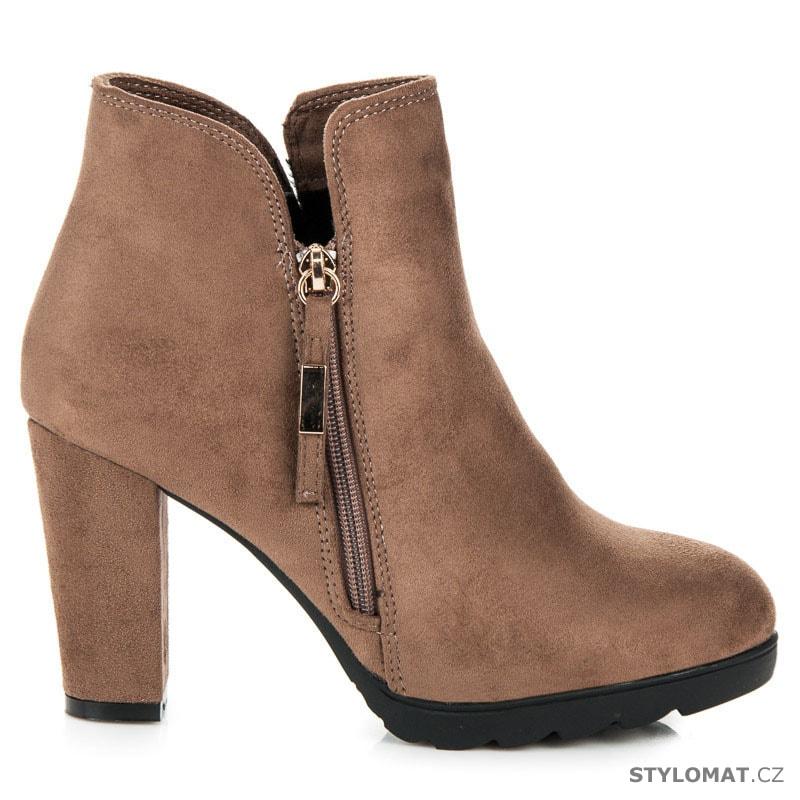 aebb4d39b7f6 Semišové kotníkové boty na zip béžové - VICES new collection ...
