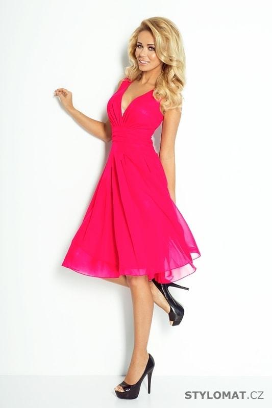 e2c1c1f8ad2f ... Krátké společenské šaty    Růžové šifónové šaty. Previous  Next