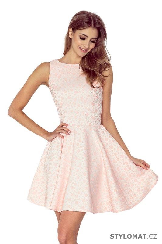 f1167b4e1af0 Šaty s kolovou sukní a lodičkovým výstřihem v broskvové barvě - Numoco -  Krátké společenské šaty