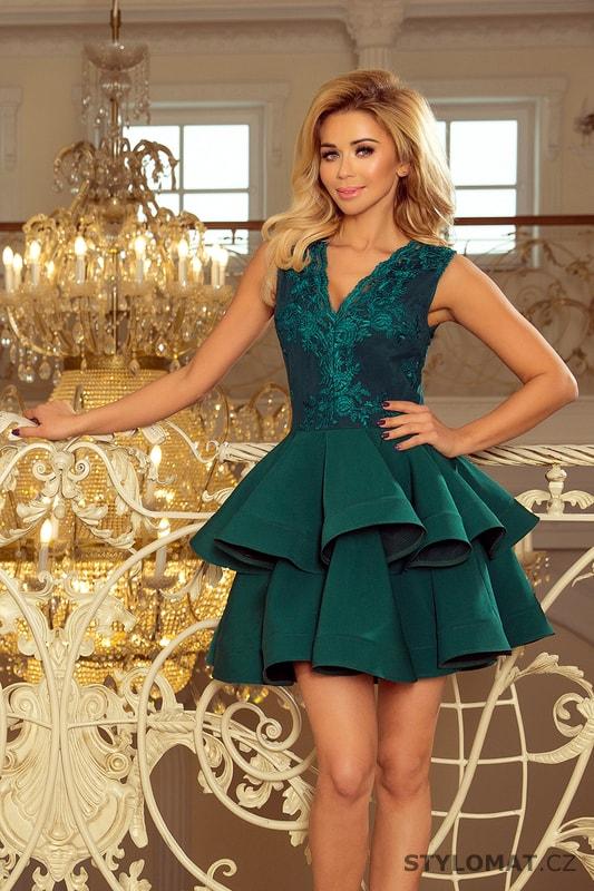 4b8f137d48ab Exkluzivní šaty s krajkovým výstřihem zelené. Zvětšit. Previous  Next