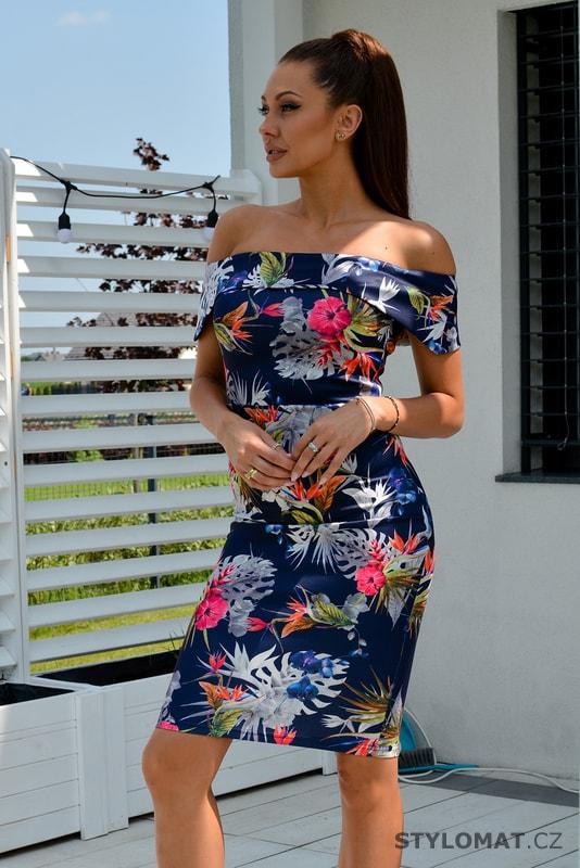 1f10ef960888 Modré šaty bez ramínek s květinovým vzorem - Emamoda - Krátké letní šaty