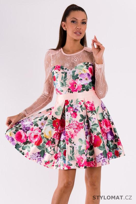 66666ebedddc Růžové šaty s květinovým vzorem a krajkou - Soky Soka - Krátké letní ...