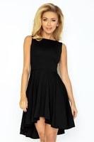 f4d7bee5c256 Černé exkluzivní šaty s delší zadní částí sukně