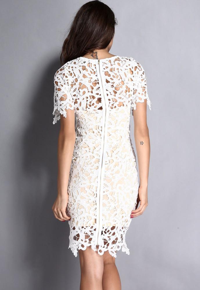 08e0c7ac66f7 Dámské krajkové šaty - bílé - DAMSON - Večerní šaty a koktejlové ...