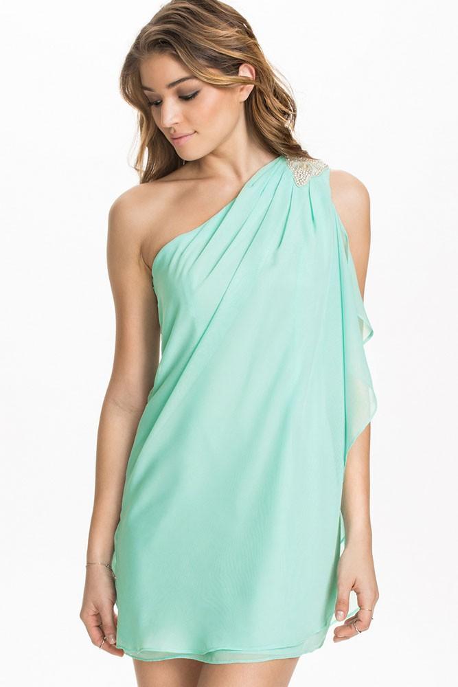 8da47268bff3 Letné šaty na jedno rameno - DAMSON - Večerné šaty a koktejlové ...