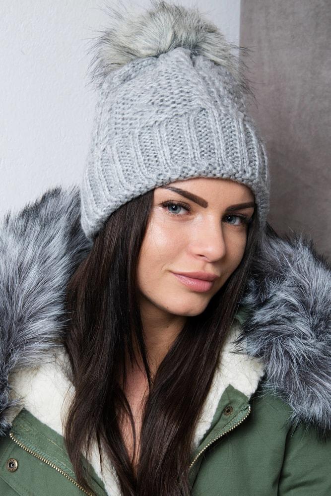 dcf3995f4 Zimná dámska čiapka - Kesi - Dámske čiapky - vasa-moda.sk