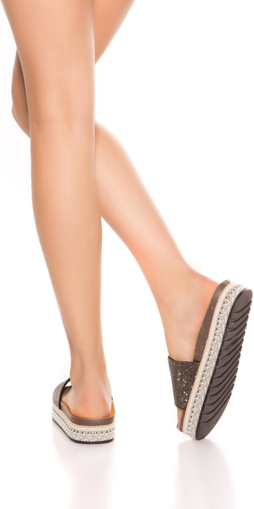 4c1e625b5f83 Sandálky s kamienkami - Koucla - Letní pantofle - vasa-moda.sk