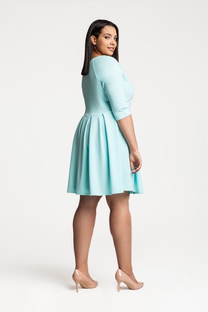 568c9166a47a Dámské koktejlové šaty pro plnoštíhlé - Ptakmoda - Společenské šaty ...
