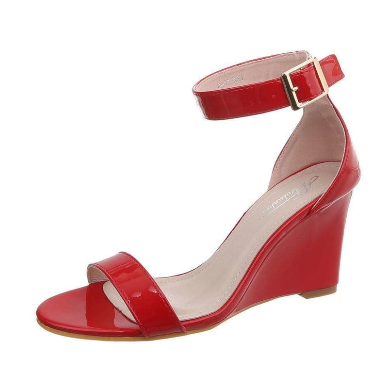 68e50b6fede6 Červené sandálky na klínu - EU - Letní sandály - i-moda.cz