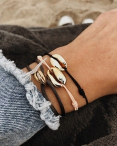 Náramek Gold Shell Simple bracelet