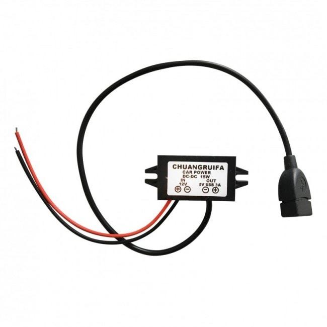 Tractive adaptér do auta 12V / 5V USB + 30 dní na vyzkoušení