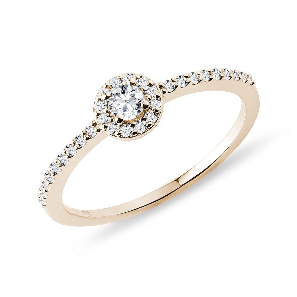Zásnubní prsten ze žlutého zlata s diamanty KLENOTA