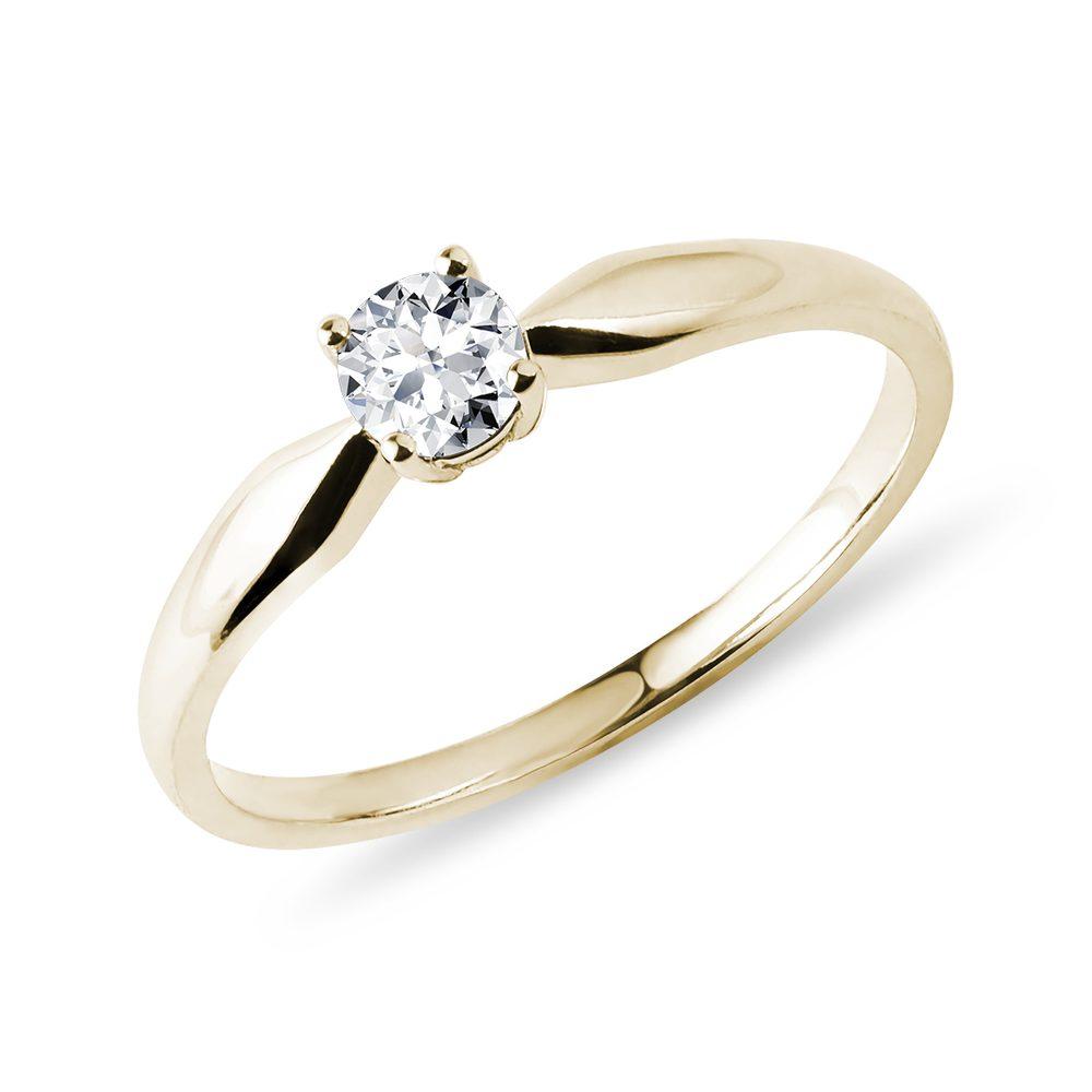 Prsten s briliantem ve žlutém zlatě KLENOTA