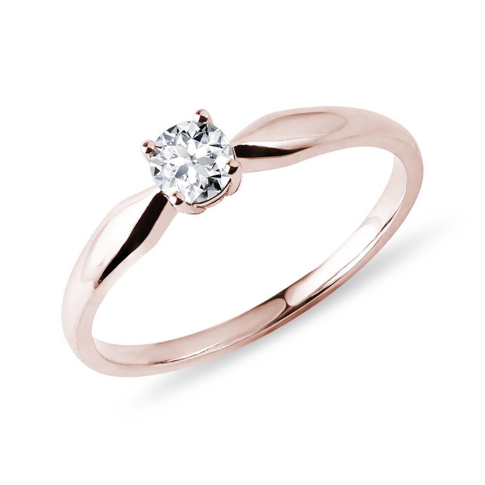 Prsten s briliantem v růžovém zlatě KLENOTA