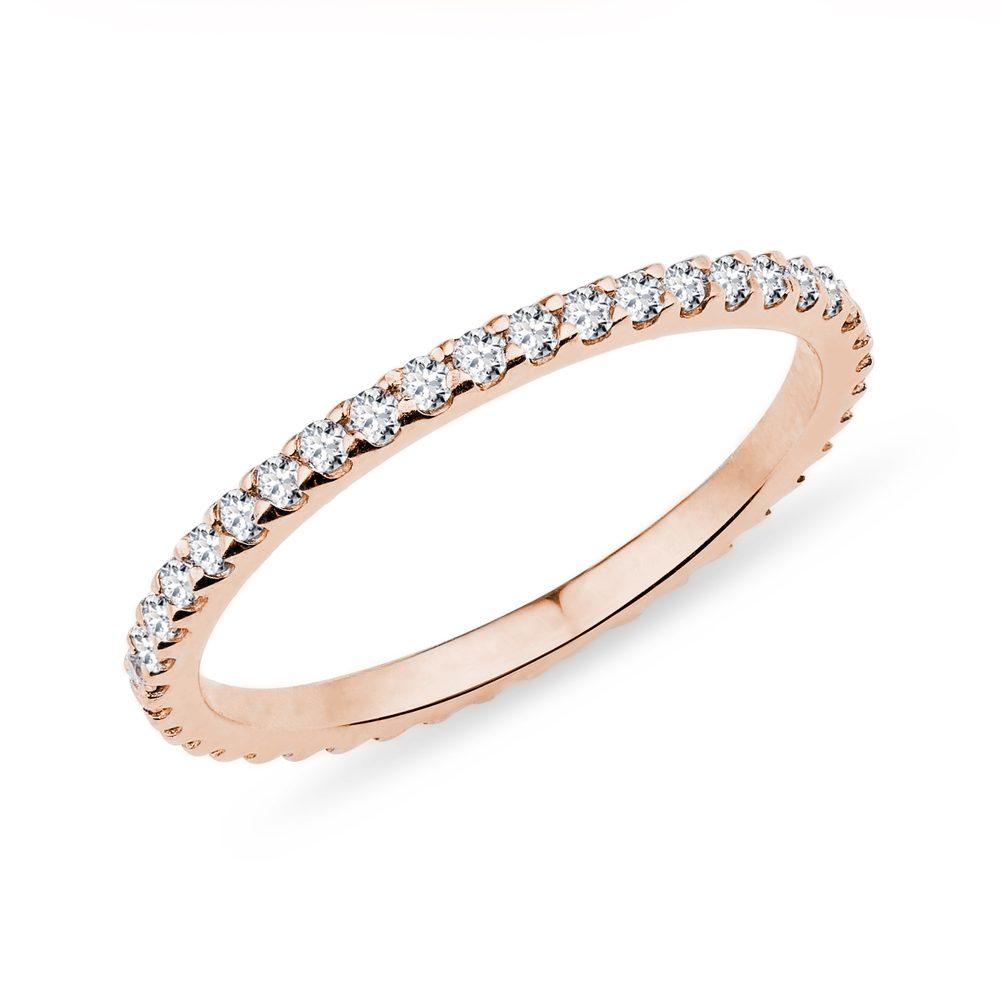 E-shop Diamantový eternity prsten v růžovém zlatě