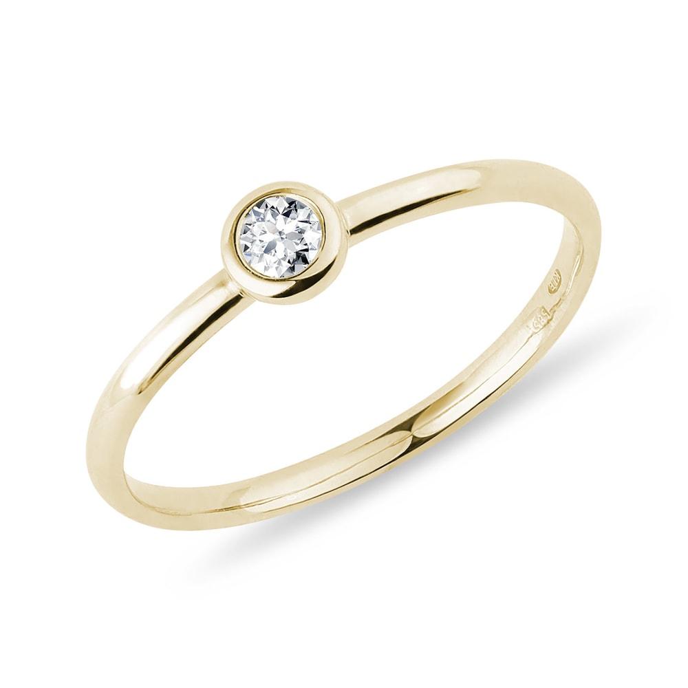 Zlatý bezel prsten s briliantem KLENOTA