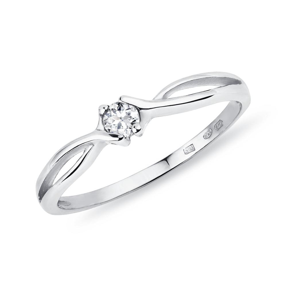 Zlatý prsten s briliantem KLENOTA