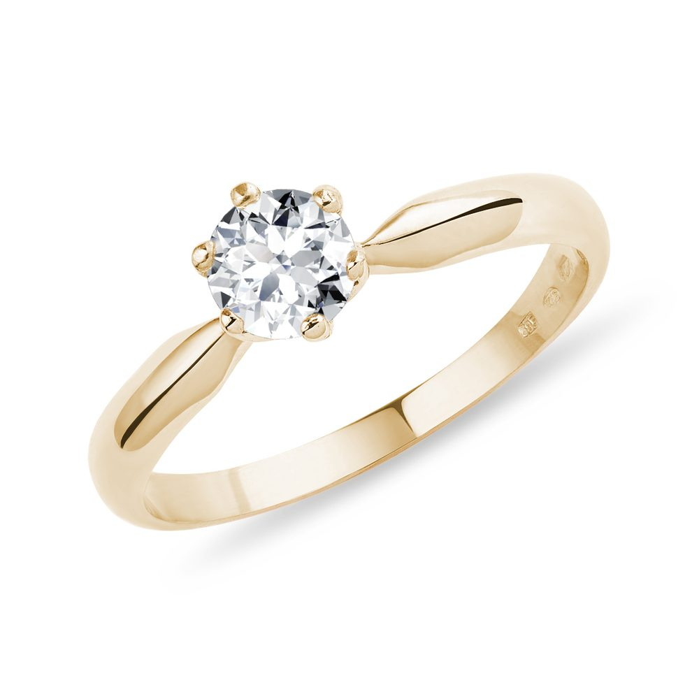Klasický zásnubní prsten ze zlata s briliantem KLENOTA