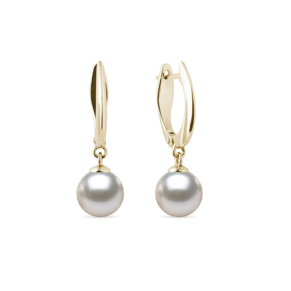 Visací zlaté náušnice s perlou Akoya KLENOTA