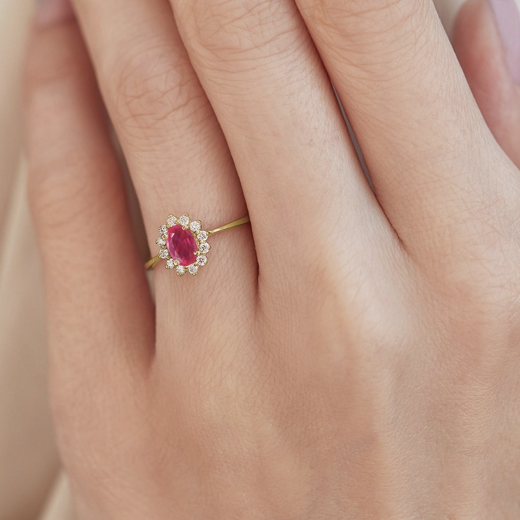 bague or jaune diamant et rubis