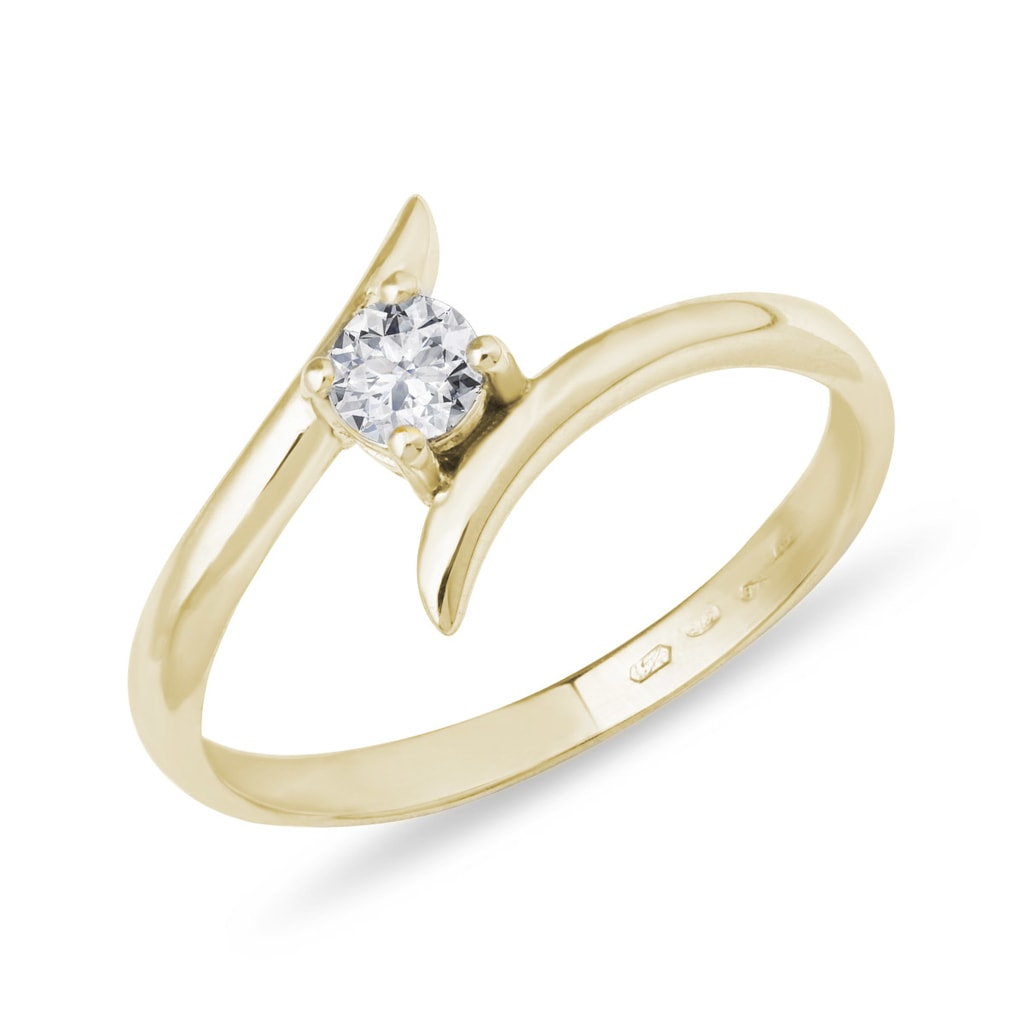 a0edb5fdb Zásnubný prsteň zo žltého zlata s diamantom | KLENOTA