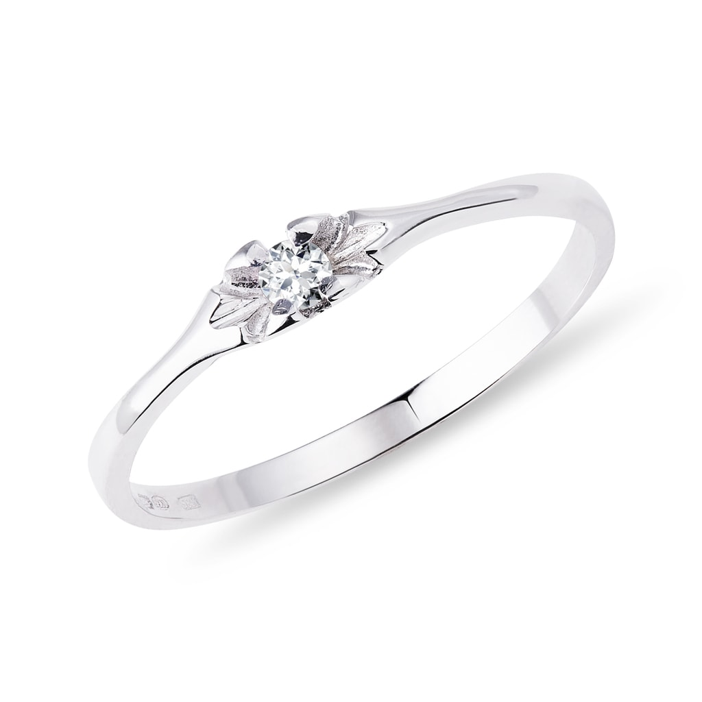6d6cac5cb Prsten z bílého zlata s drobným diamantem | KLENOTA
