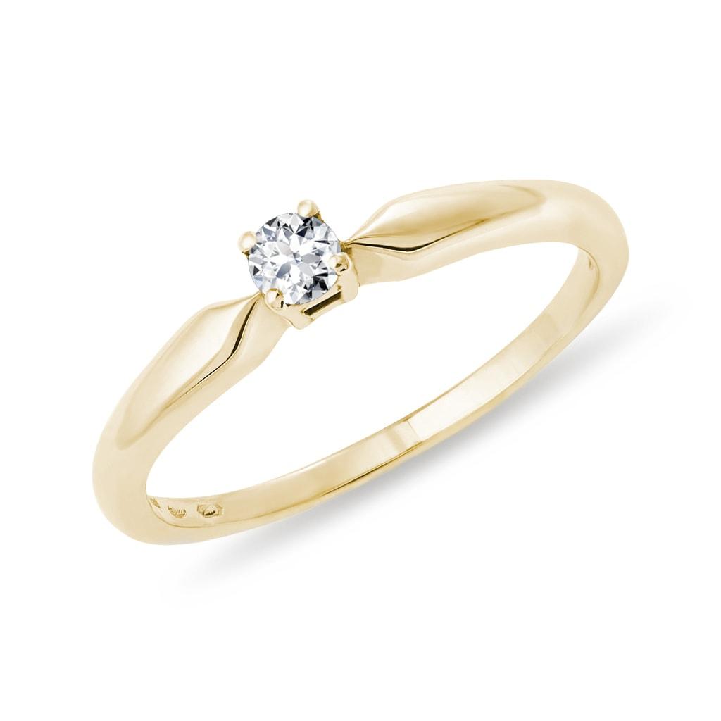 d440f1aef Jednoduchý zásnubní prsten s diamantem | KLENOTA
