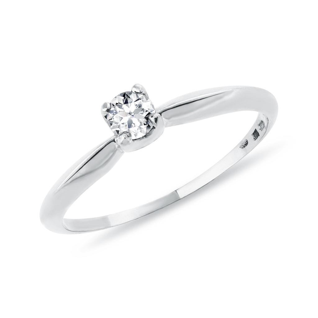 d4aa4b0ad Briliantový zásnubný prsteň z bieleho zlata   KLENOTA
