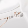 Pearl earrings in rose gold