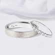 Wedding rings in white gold with diamonds