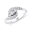 Diamond engagement ring in 14kt white gold