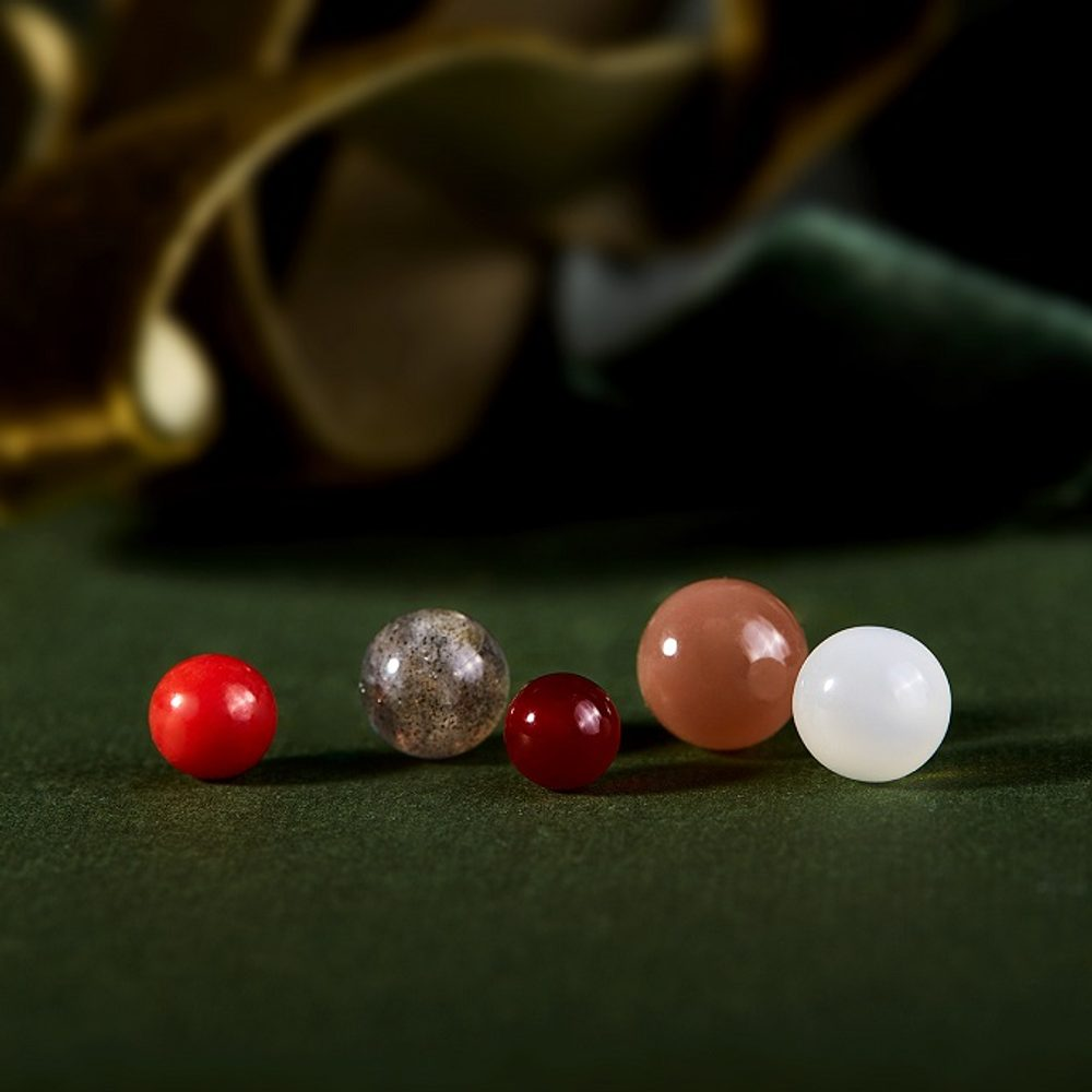 5 new stones from the Seasons collection: multicoloured symbols of autumn