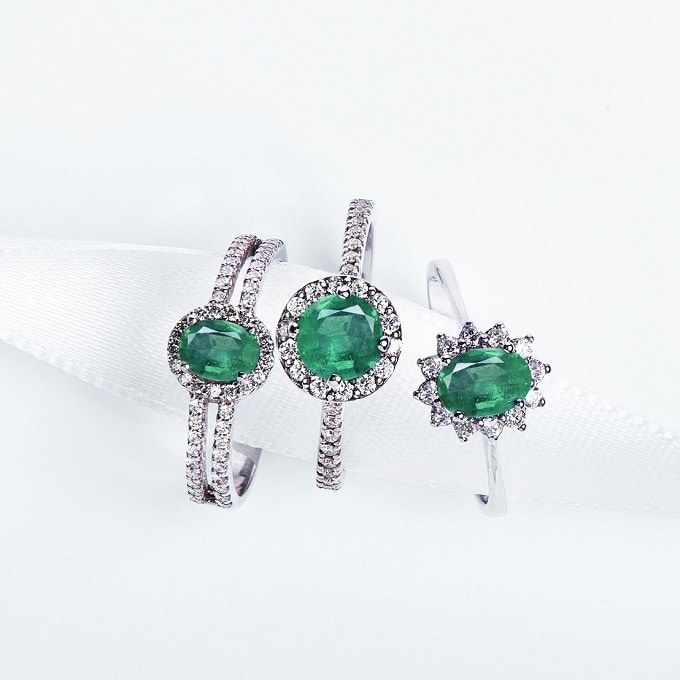 Emerald: the properties and origin of the green gemstone