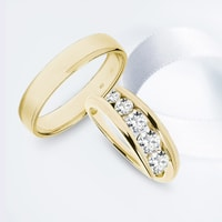 Yellow gold wedding rings - ring for her with diamonds