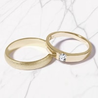 Yellow gold wedding rings - ring for her with a diamond