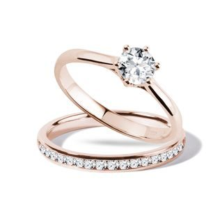 Engagement and wedding ring set in rose gold