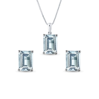 Aquamarine earring and necklace set in white gold