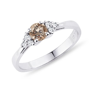 Ring with champagne diamond in white gold