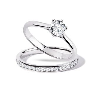 Engagement and wedding ring set in white gold