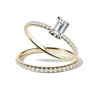 Engagement set with diamonds in gold