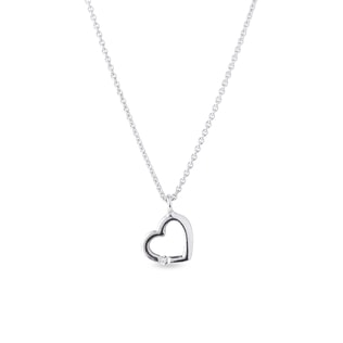 Heart-shaped diamond pendant necklace in white gold